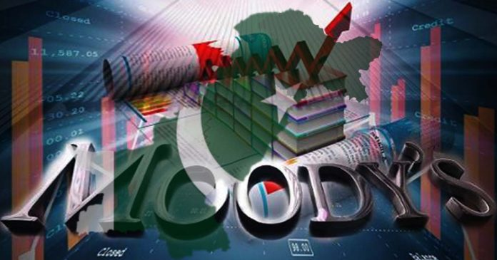 moody's expect lower financing risk for Pakistan